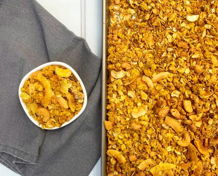 Turmeric granola | Granola Recipe | Turmeric Benefits | Turmeric Recipes | Turmeric Health Benefits | Granola | Granola | Breakfast Ideas | Breakfast Ideas Healthy | Breakfast Recipes | Easy Recipe | Trail Mix | On the Go | Coconut Recipe | Cashews | Ginger | Cinnamon | Six Clever Sister