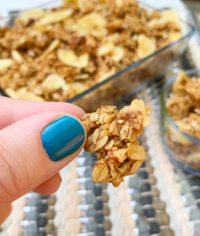 Banana Nut Granola | Granola Recipe | Easy Breakfast | Healthy Breakfast | Breakfast Ideas | Homemade granola | Pecan | Banana Recipe | Cereal Recipe | Healthy | Oats | Oatmeal Recipe | Six Clever Sisters