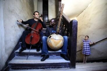 L-R: Vincent Segal & Ballaké Sissoko (photo by Claude GASSIAN)