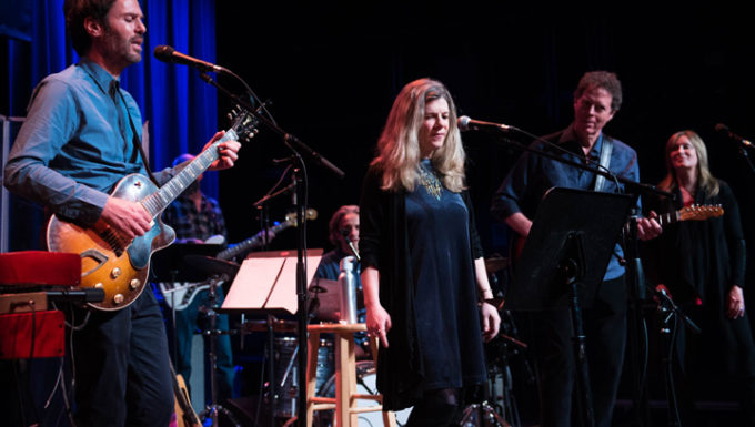 Watch Piers Faccini performance at etown feat Dar Williams
