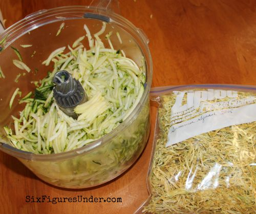 Grated zucchini to dehydrate
