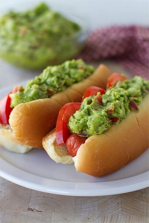 Guacamole hotdog recept