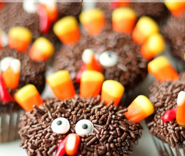 These Thanksgiving Turkey Cupcakes Get Me In The Holiday Mood And The Kids Love Them They Are Also A Great Pie Replacement For Those Picky Eaters