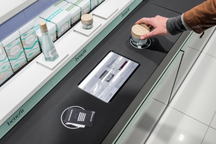 Sephora-Flash-by-Intangibles-Paris-France-03