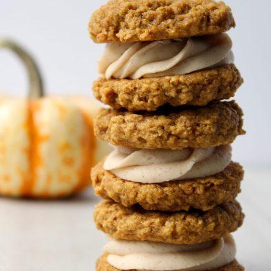 pumpkin-spice-oatmeal-cream-pies