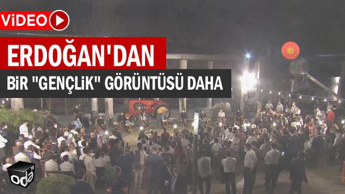 """Erdoğan'dan bir """"gençlik"""" görüntüsü daha"""