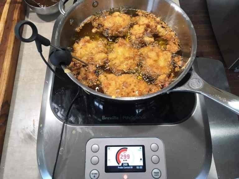 Deepfrying vegetable pakora on the Breville PolyScience Control Freak