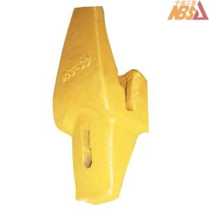 4188013, 3807-30 EX120 EX150 Hitachi Spare Parts Tooth Adapter