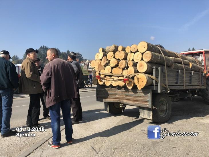 Drva za zimu, pijaca u Sjenici -1- 04.10.2018.