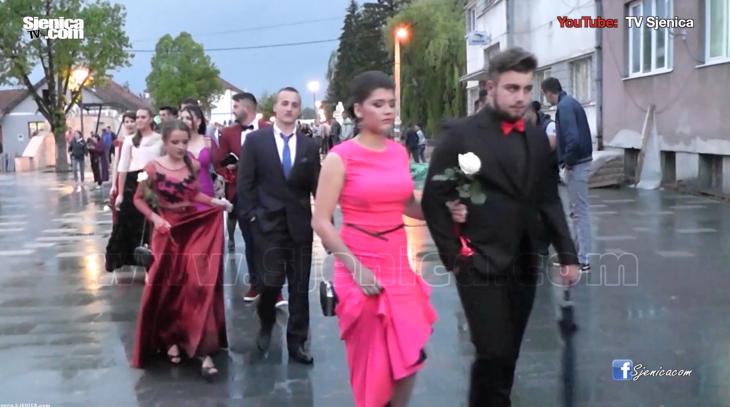 Maturanti gimnazije Jezdimir Lovic - proslavili matursko vece - Sjenica - 03.06.2016.
