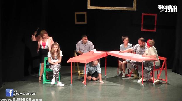 Pozorište iz Priboja gostovalo u Sjenici (Video) Sjenica - Oktobar 2015