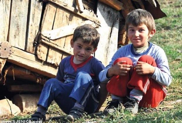 pORODICA JELIC - detinjstvo-deca-odrastanje-sjenica-pester