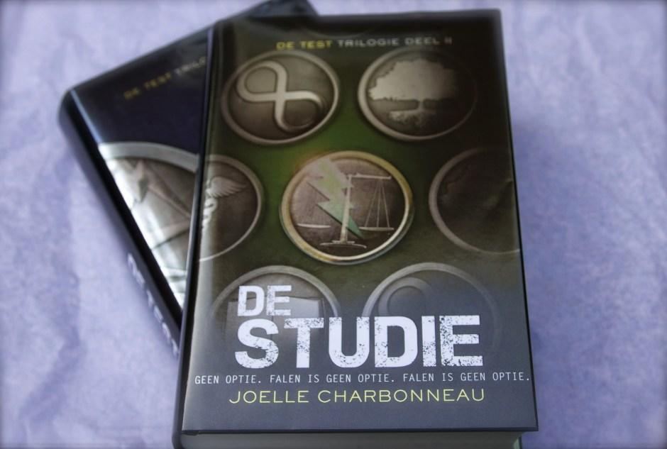 De Studie Joelle Charbonneau de Test dystopisch boek review trilogie het Examen young adult books hunger games Hongerspelen