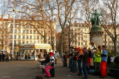 This band rocked the square at Place Carnot!
