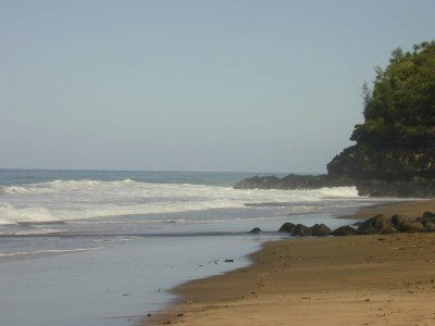 The conditions at Hanakapiai Beach change with the season as the sand comes and goes.