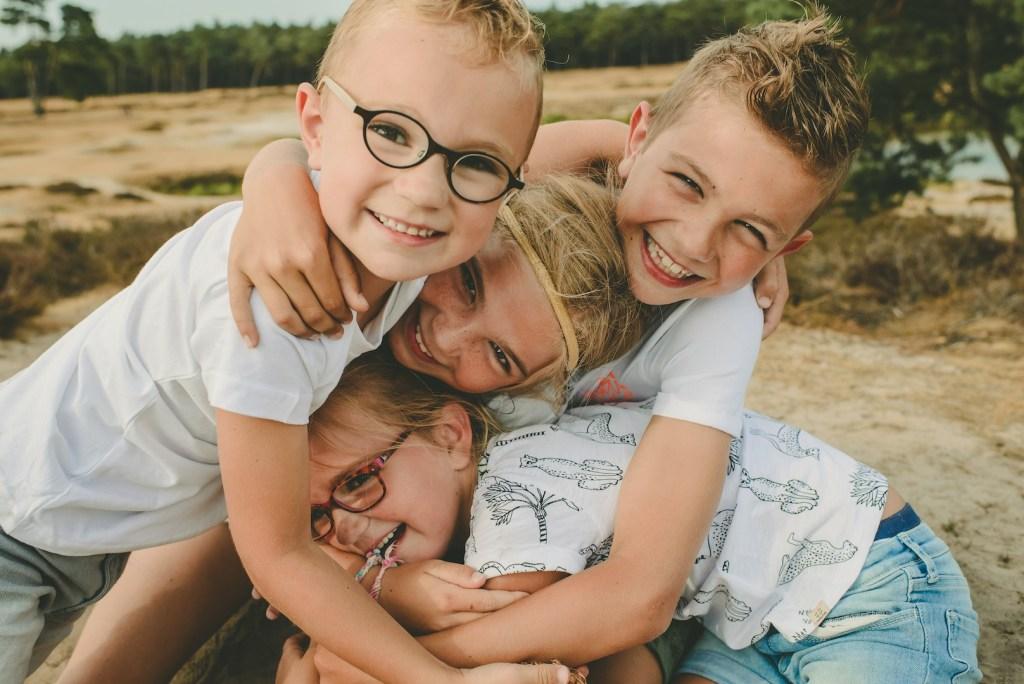 4 kinderen op de foto