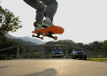 skateboard on a plane - can you bring a skateboard on a plane