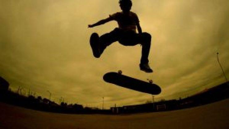 heelflip-skateshouse_skateboard tricks for beginners
