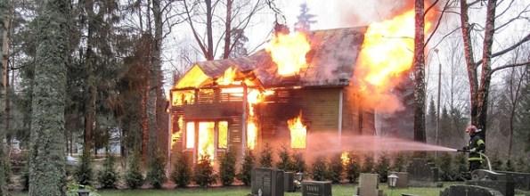 Zu schlechten Spielen und recht teuern, gilt es den Nachbarn anzufeuern