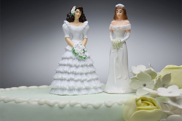 lesbian_wedding_cake
