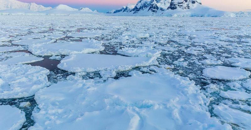 Dramatic drop in Antarctic Sea Ice