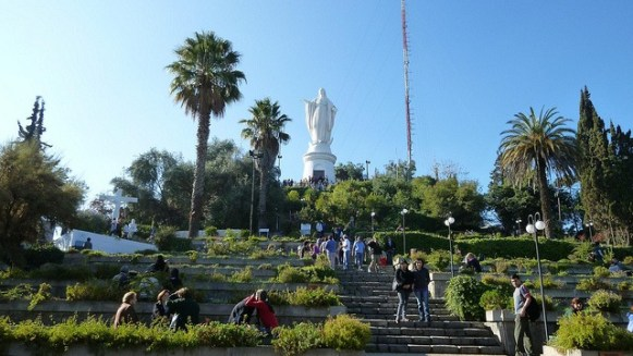 Visitors can enjoy the gardens and views from atop Cerro San Cristobal. | Photo: VT Polywoda/Flickr