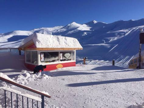 Valle Nevado with 31 inches of new snow