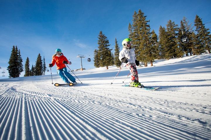 Aspen Snowmass family ski vacation