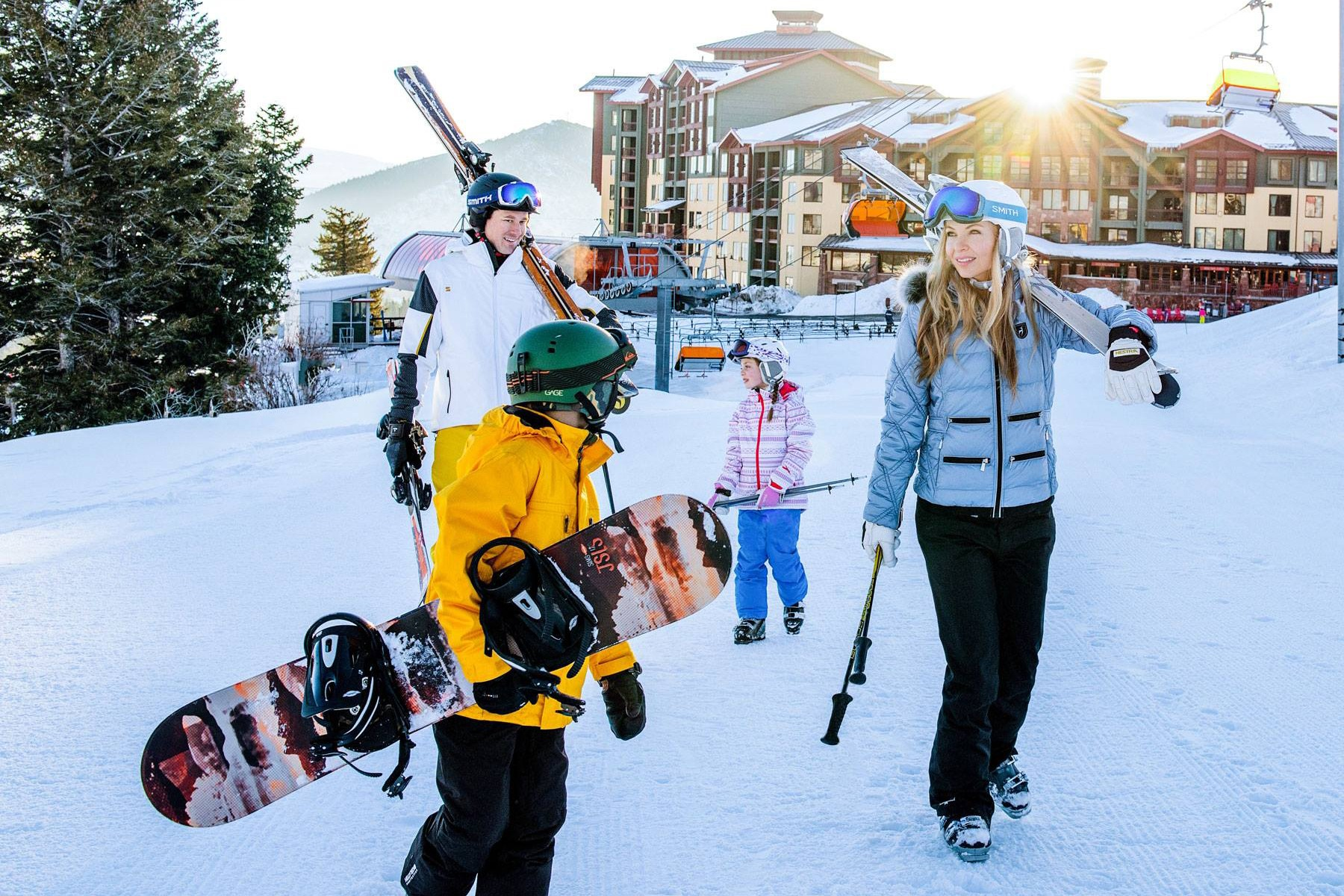 See These Ideas for Winter Family Vacation on a Budget