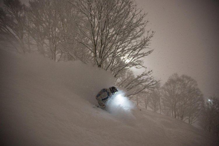 Hirafu night ski, hirafu vacation package, hirafu ski package