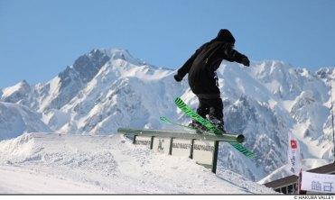 japanese alps skiing