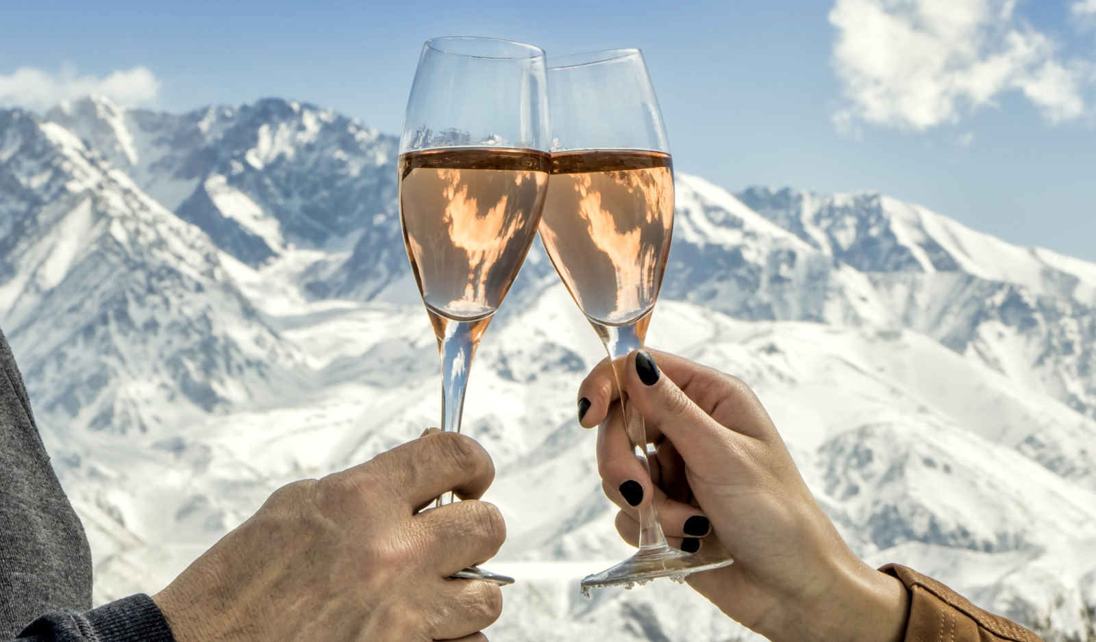 best apres ski spots in the Alps, best apres ski in Europe, apres ski france, apres ski switzerland, apres ski italy, apres ski