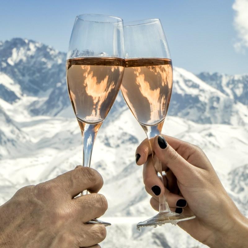 best apres ski spots in the Alps, best apres ski in Europe, apres ski france, apres ski switzerland, apres ski italy, apres ski