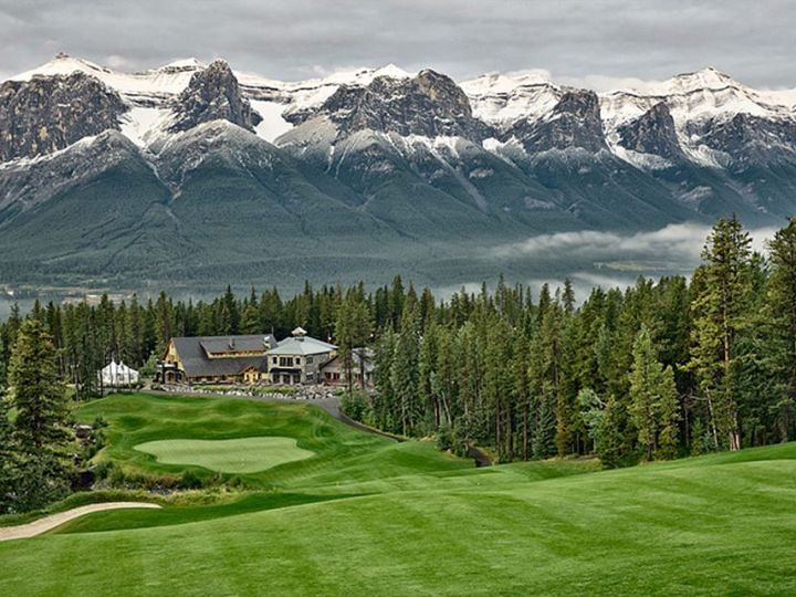 golfing in the Canadian Rockies