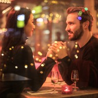 Dating: Revealing too much too soon