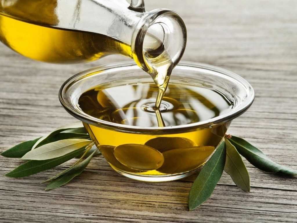 Olive Oil in Cosmetics – Benefits and Downsides