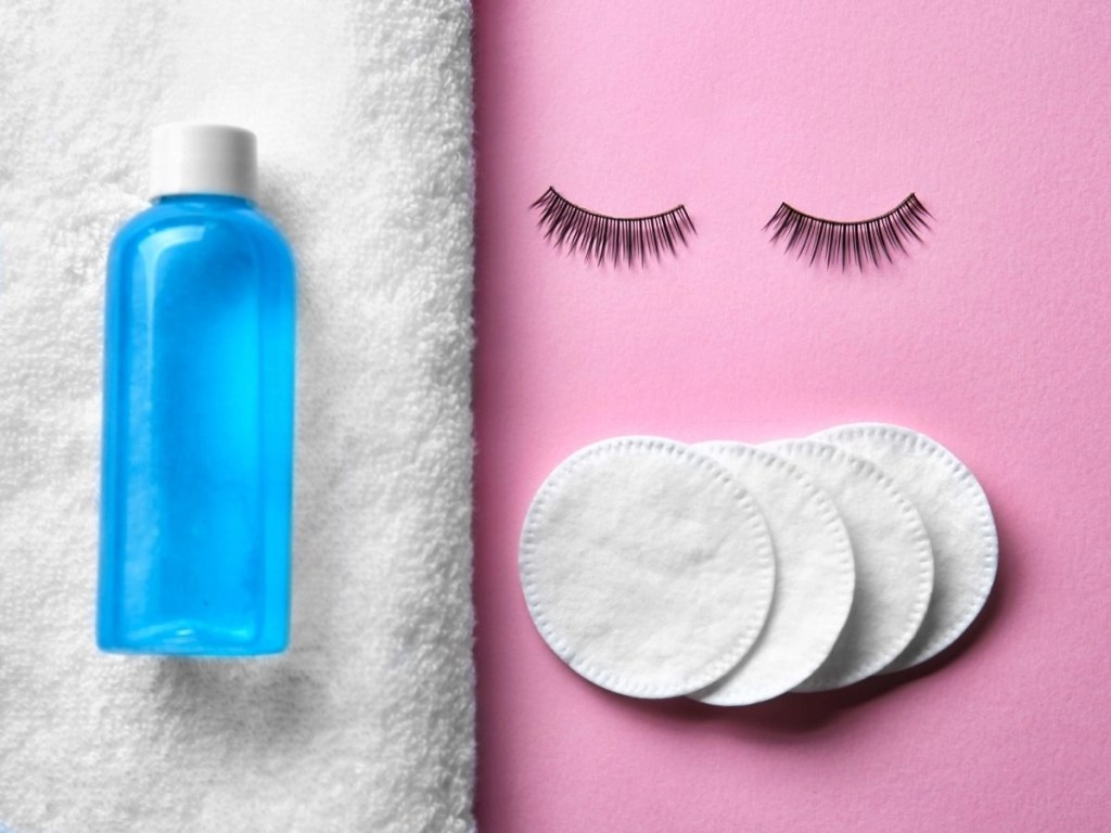 How Can You Remove Makeup on Oily Skin