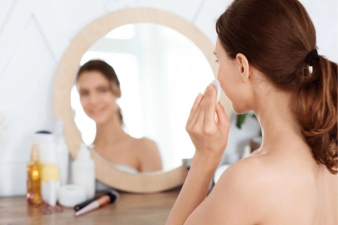How to Apply Face Toner Effectively