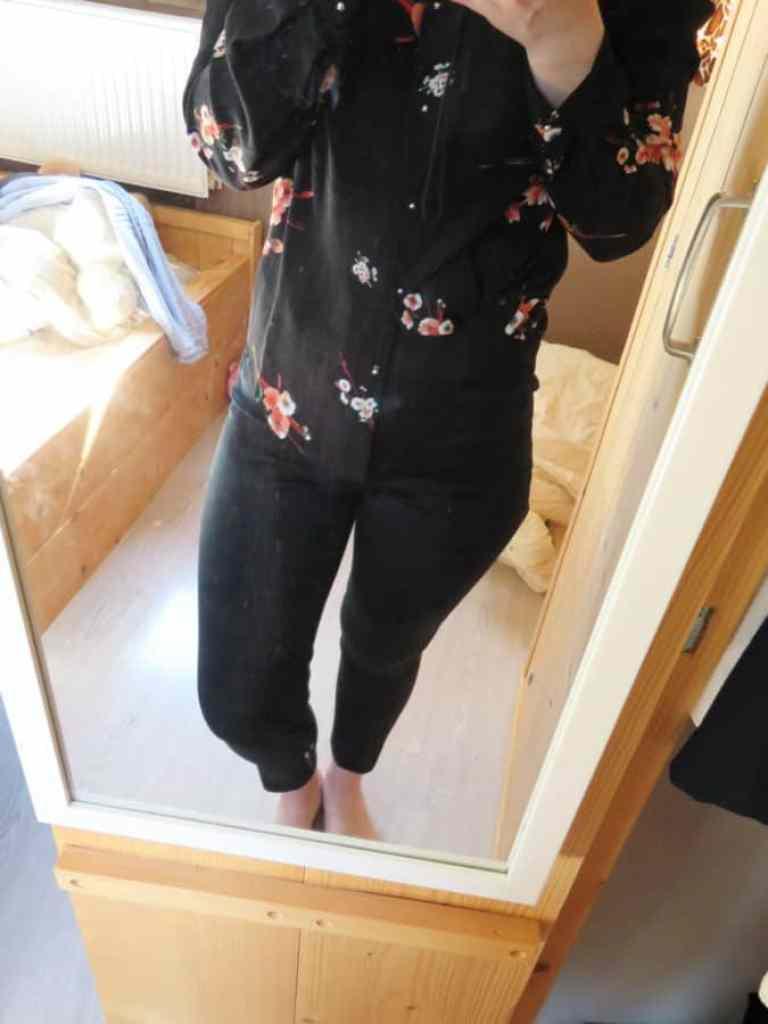 H&M broek met korte enkels en split voor shoplog april
