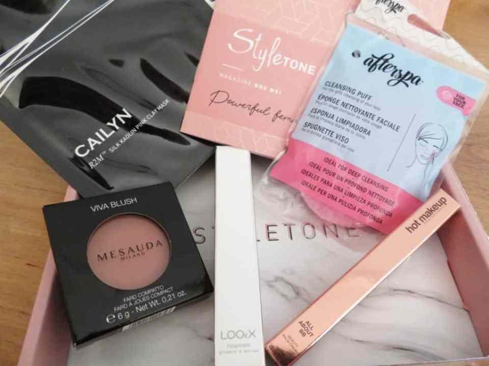 Een styletonebox Mei met prachtige producten gevarieerd van make-up tot verzorging.
