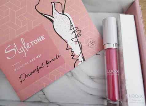 Lipgloss van LookX in de styletonebox van Mei