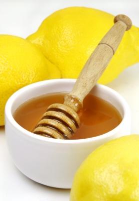 8 Pampering Honey Treatments