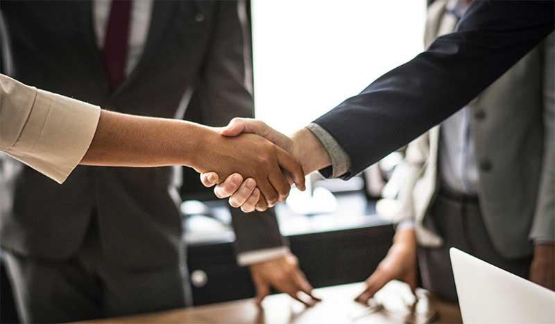 deal handshake