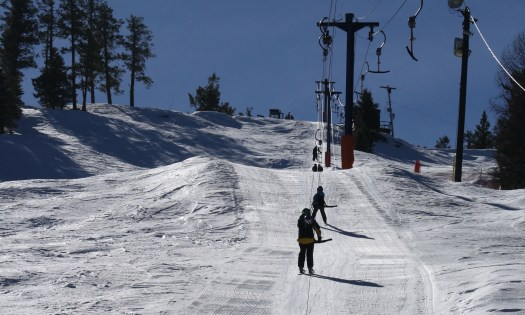 Ski Phoenix Mountain 01