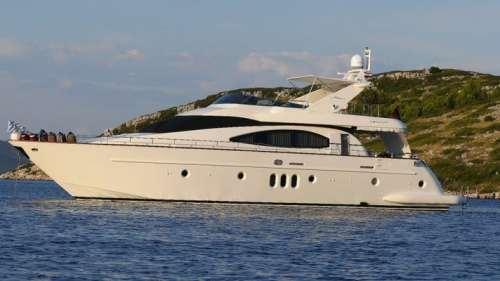 azimut-74-charter-croatia-rental (1)