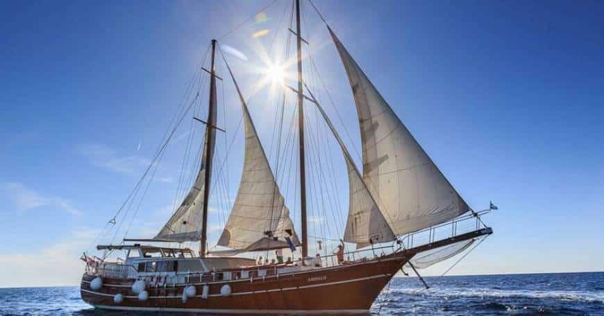 gardelin-yacht-charter-croatia-sailing-holidays-croatia-booking-yacht-charter-croatia-catamarans-sailboats-motorboats-gulets-luxury-yachts-boat-rental-2