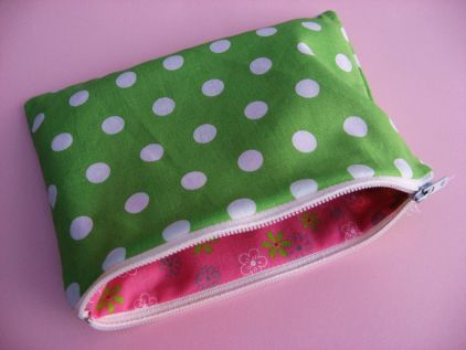 A Lined Zippered Pouch Tutorial