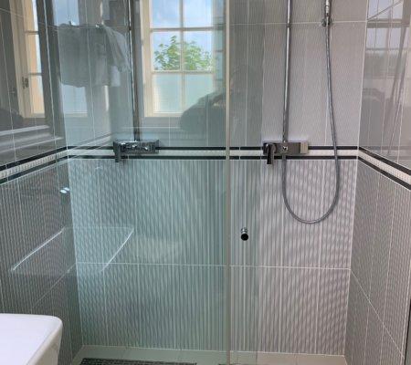 Wasserfall Dusche in doppelter Ausführung