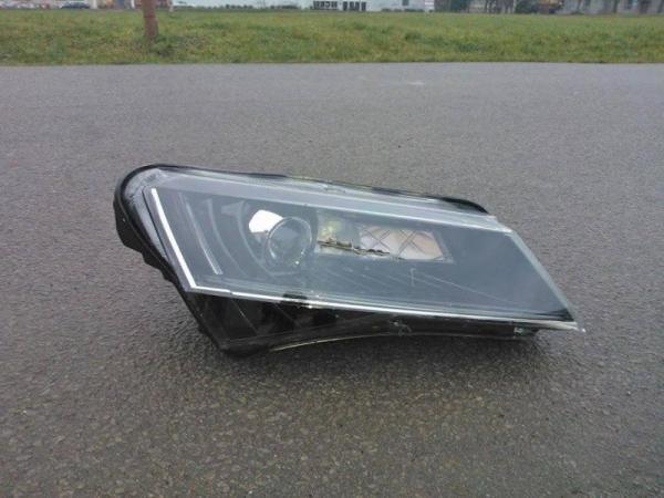 2016-Skoda-Superb-headlight-leaked