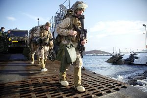 US Marines trener landsetting under Cold Response 2012.